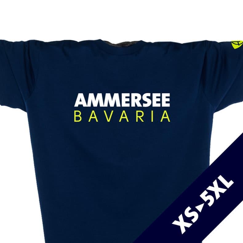 Ausschnitt Vorderansicht eines dunkelblauen CT T-Shirts aus Bio-Baumwolle (Organic Bio T-Shirt) mit lime-gelbem Ammersee Design der Modemarke AMMERSEE BAVARIA aus Bayern, Deutschland