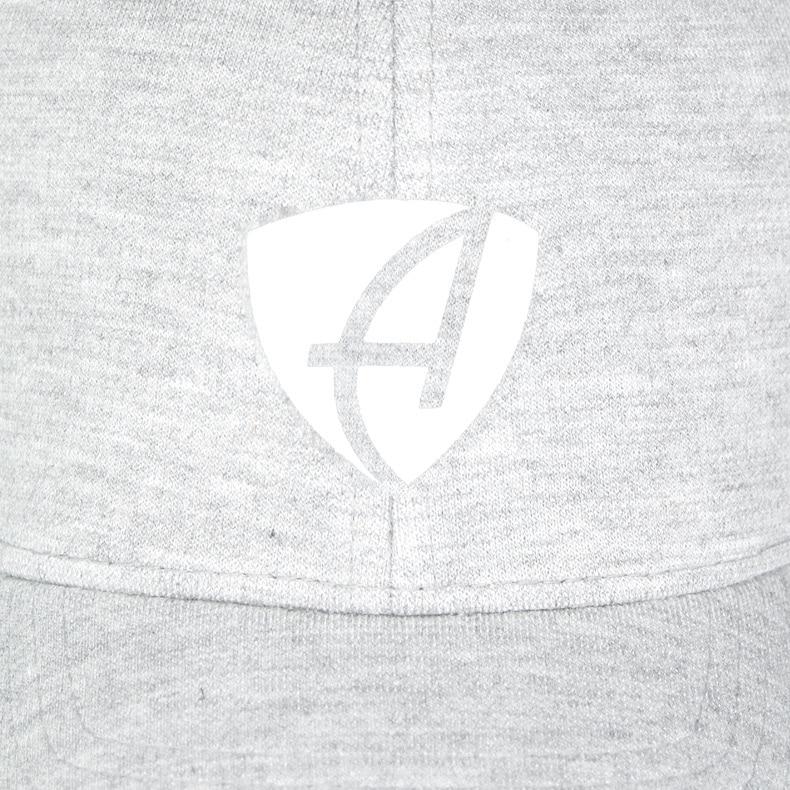 Vorderansicht eines hellgrauen CB Ammersee Flexfit Cap Single Jersey mit weissem Ammersee Design der Modemarke AMMERSEE BAVARIA aus Bayern, Deutschland