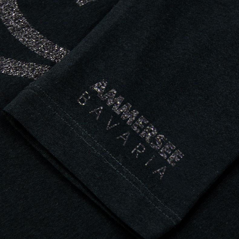 Ärmel eines schwarzen CBe Longsleeve T-Shirts aus Bio-Baumwolle (Organic Bio T-Shirts) mit schwarz-glitzernem Ammersee Design der Modemarke AMMERSEE BAVARIA aus Bayern, Deutschland