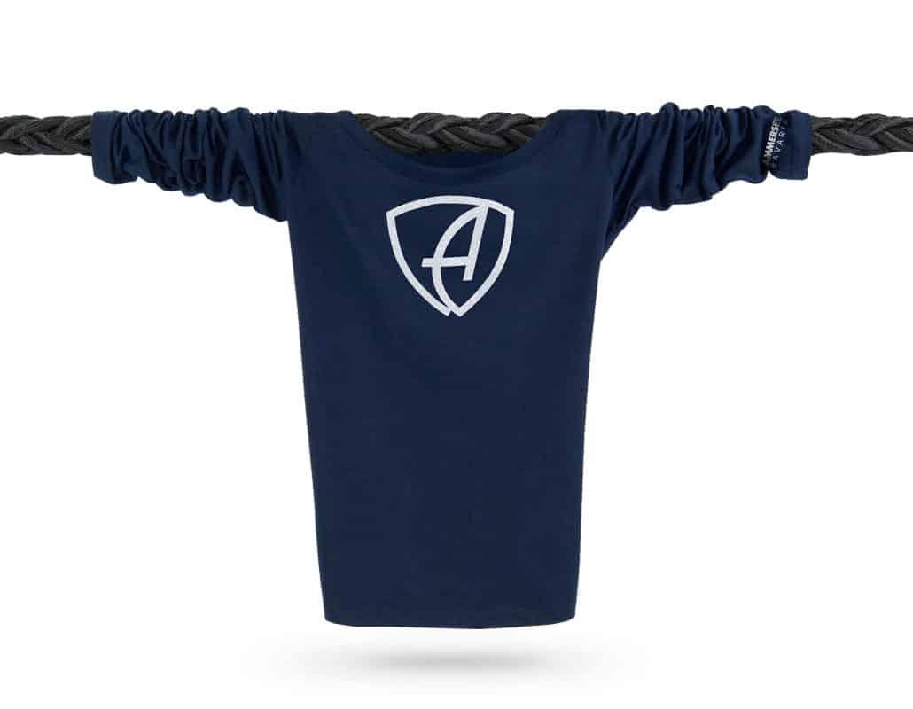 Vorderansicht eines dunkelblauen CBe Longsleeve T-Shirts aus Bio-Baumwolle (Organic Bio T-Shirt) mit weiss-glitzernem Ammersee Design der Modemarke AMMERSEE BAVARIA aus Bayern, Deutschland