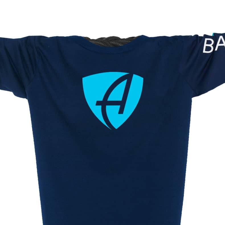 Vorderansicht eines dunkelblauen CB Longsleeve T-Shirts aus Bio-Baumwolle (Organic Bio T-Shirt) mit weiss-türkisem Ammersee Design der Modemarke AMMERSEE BAVARIA aus Bayern, Deutschland