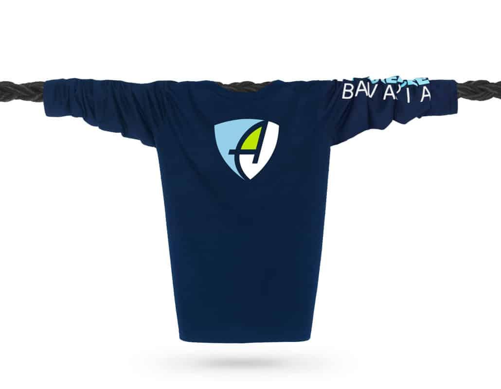 Vorderansicht eines dunkelblauen CB Longsleeve T-Shirts aus Bio-Baumwolle (Organic Bio T-Shirt) mit weiss-blau-grünem Ammersee Design der Modemarke AMMERSEE BAVARIA aus Bayern, Deutschland
