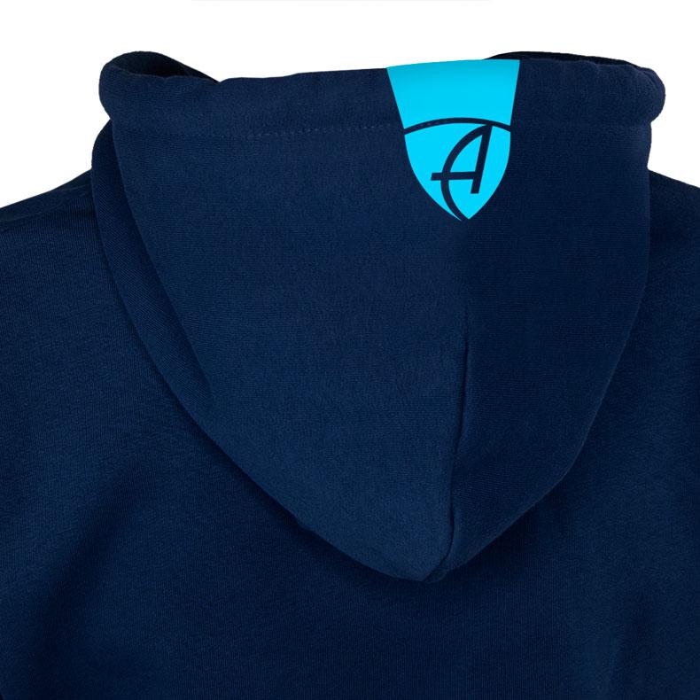 Rückansicht einer dunkelblauen Kinder Kapuzenjacke und seiner Kapuze (Organic Bio Hoodie) mit türkisem Ammersee Design der Modemarke AMMERSEE BAVARIA aus Bayern, Deutschland