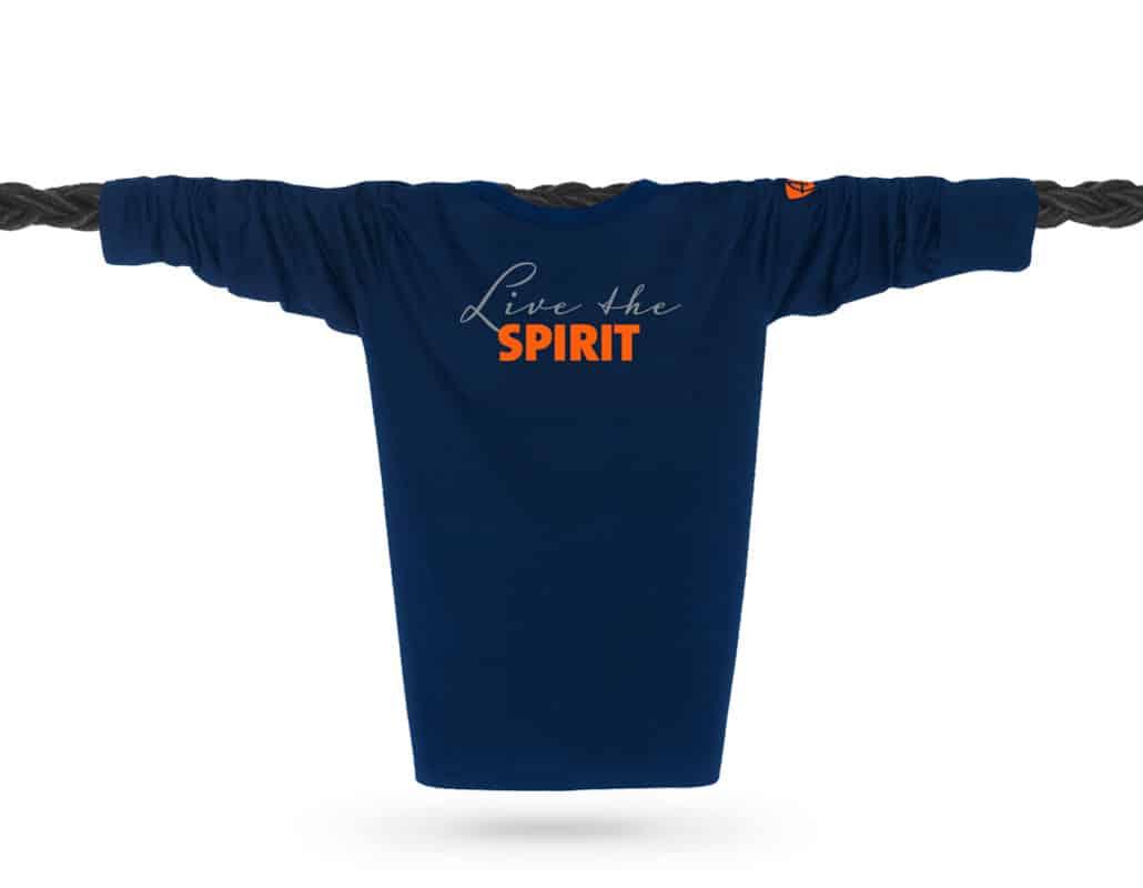 Vorderansicht eines dunkelblauen ST Longsleeve T-Shirts aus Bio-Baumwolle (Organic Bio T-Shirt) mit grau-orangem Ammersee Design der Modemarke AMMERSEE BAVARIA aus Bayern, Deutschland