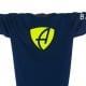 Ausschnitt Vorderansicht eines dunkelblauen CB Kinder Longsleeve aus Bio-Baumwolle (Organic Bio T-Shirt) mit lime-gelb-weissem Ammersee Design der Modemarke AMMERSEE BAVARIA aus Bayern, Deutschland