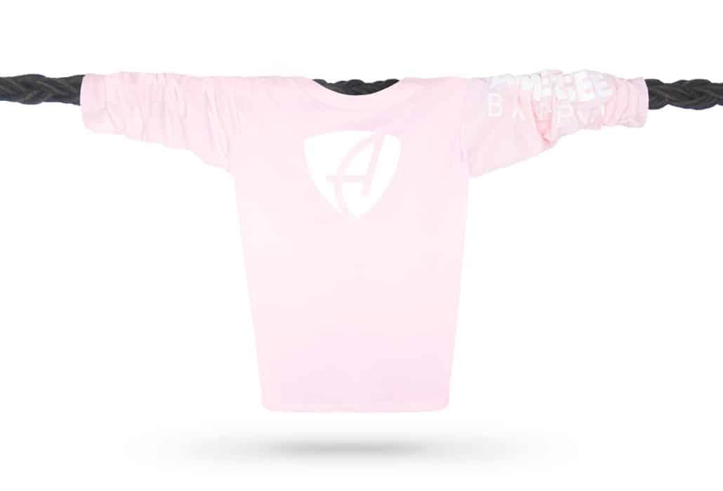 Vorderansicht eines hellrosa CB Kinder Longsleeve aus Bio-Baumwolle (Organic Bio T-Shirt) mit weissem Ammersee Design der Modemarke AMMERSEE BAVARIA aus Bayern, Deutschland