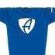 Ausschnitt Vorderansicht eines mittelblauen CB Kinder T-Shirts aus Bio-Baumwolle (Organic Bio T-Shirt) mit weissem Ammersee Design der Modemarke AMMERSEE BAVARIA aus Bayern, Deutschland