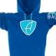 Ausschnitt Vorderansicht eines blauen CBo Kapuzenpullover aus Bio-Baumwolle (Organic Bio Hoodie) und recyceltem Polyester mit türkisem Ammersee Design der Modemarke AMMERSEE BAVARIA aus Bayern, Deutschland