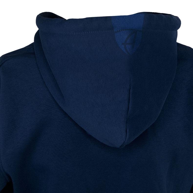 Rückansicht eines dunkelblauen Kapuzenjacke und seiner Kapuze (Organic Bio Hoodie) mit dunkelblauen Ammersee Design der Modemarke AMMERSEE BAVARIA aus Bayern, Deutschland